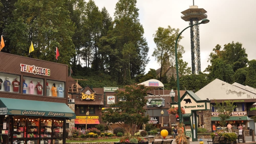 3 of the Best Places to Go Shopping in Gatlinburg TN