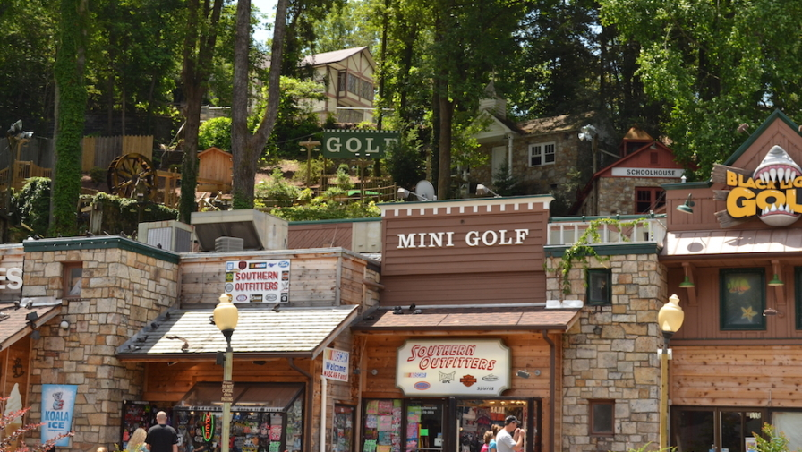 Top 5 Cheap Family Things to Do in Gatlinburg TN