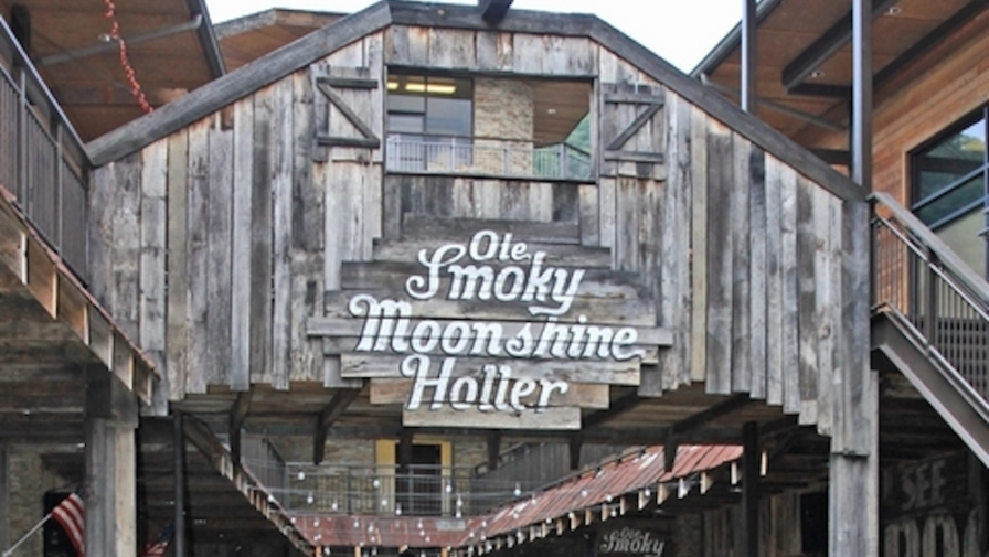 4 Flavors You Have to Try at Ole Smoky Moonshine in Gatlinburg TN